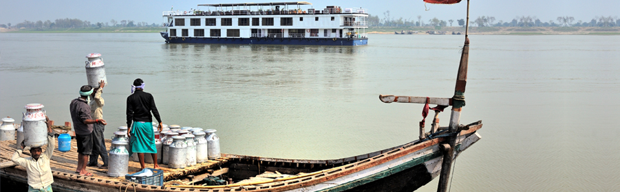 Cruise on River Ganges